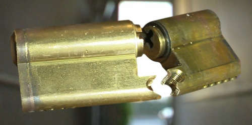 Image of a Snapped Euro Cylinder